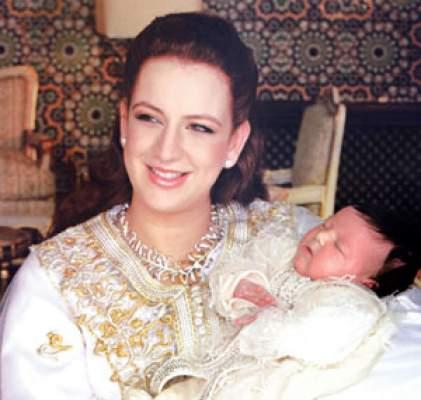 Photo of موقع متخصص في أخبار المشاهير: الأميرة لالة سلمى تجمع ما بين الأناقة والالتزام