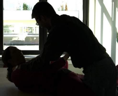 """Photo of اعتقال """"الناموس"""" مغتصب فتيات الناظور: بتر جزءا من العضو التناسلي لآخر ضحاياه وأرغمها على أكله"""