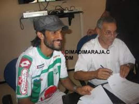 Photo of قال إنه استعان بطبيب نفساني كي لا تتأثر نفسيته: هشام المحدوفي يفتح النار على فريقه الرجاء
