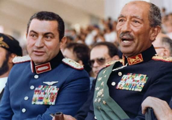 Photo of الحلقة الثانية: مبارك وزمانه مـن المنصة إلى الميدان.. كيف تم اختيار حسني نائباً للرئيس .. ولماذا؟