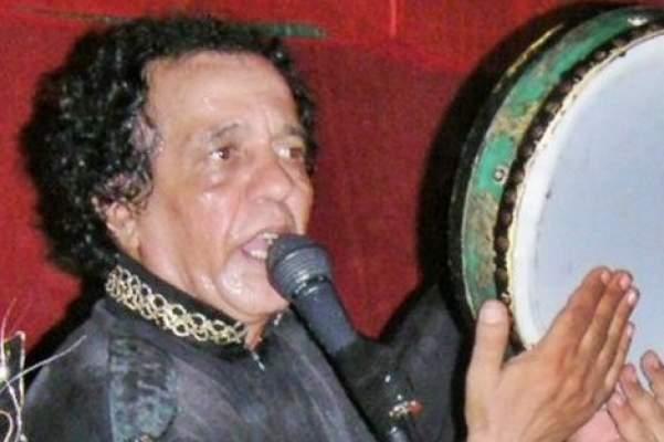 "Photo of دفن جثمان الفنان محمد السوسدي من مجموعة ""لمشاهب"" بمقبرة الشهداء بالبيضاء"