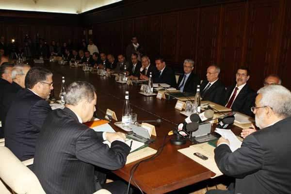 Photo of لجنة الاستثمارات تصادق على مشاريع بقيمة 19.4 مليار درهم