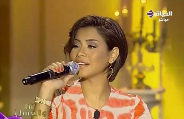 """Photo of شيرين عبد الوهاب في """"أنا والعسل"""": أحب هيفاء وهبي ولم أغر منها حتى حين ازداد وزني"""
