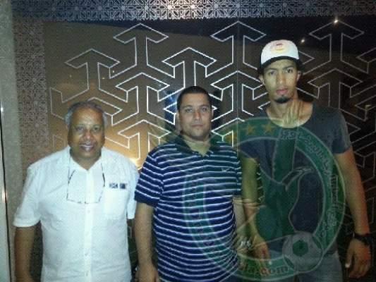 Photo of بالفيديو: استقبال جماهير الرجاء للاعبين حمزة بورزوق وعبد الفتاح بوخريص