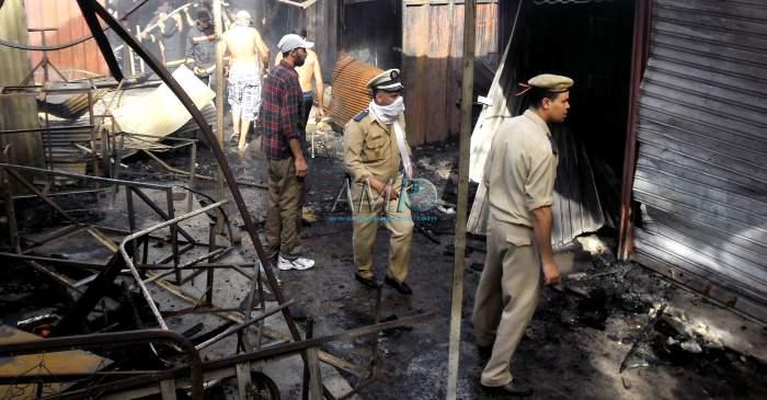 Photo of حريق يلتهم أزيد من 50 محلا تجاريا بسوق الشطيبة( ماكرو ) بسطات