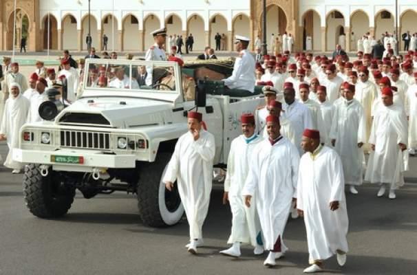 Photo of الملك محمد السادس يُشـيّع جثمان عمّته الأميرة للا أمينة