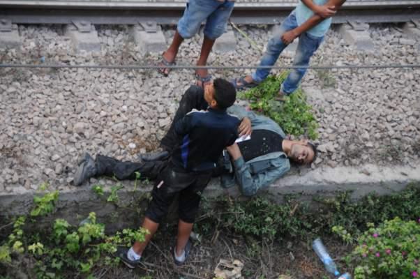 """Photo of بالصور من قنطرة """"أولاد زيان"""": ألقى بنفسه من فوق قنطرة عالية وسقط فوق السكة ولم يمت ومر ثلاثة قطارات ولم تصبه"""