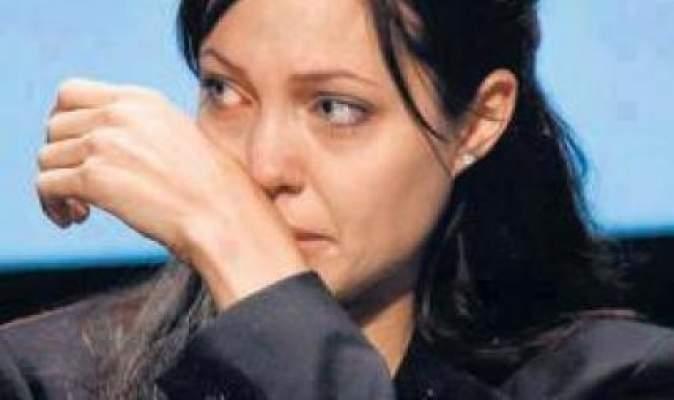 Photo of أنجلينا جولي تلّقن الفنانات العربيات درسا في الإنسانية وتعتبر الفيلم المسيء للرسول المصطفى حربا على الاسلام