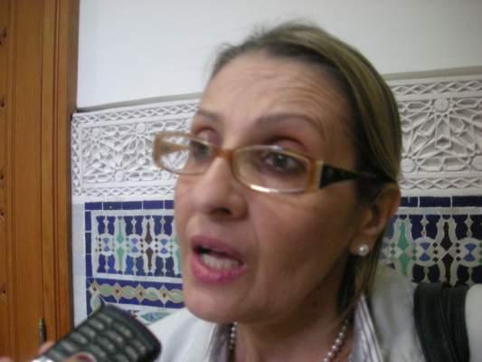 "Photo of الاعلامية التونسية آسية عتروس لـ""أكورا بريس"" (فيديو): الاعلام التونسي عاش حالة من الفوضى بعد الثورة ولا زالت التحديات أمامه كبيرة"