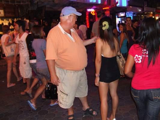 Photo of القاصرات المغربيات يمارسن الجنس مقابل 50 درهم وفئة كبيرة منهن تتعاطى للمخدرات