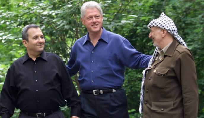 Photo of فيديو نادر يجمع الرئيس الأمريكي الأسبق كلينتون والراحل ياسر عرفات وإيهود باراك