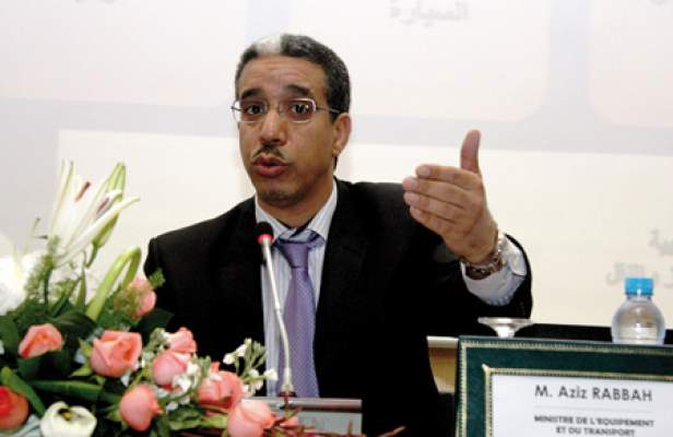 Photo of في ندوة صحفية: عزيز رباح يعدد أهداف إصلاح النقل وقطاع مقالع الرمال