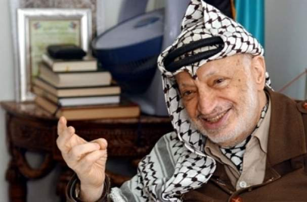 Photo of إخراج رفات عرفات بحضور خبراء دوليين ومفتي الأراضي الفلسطينية