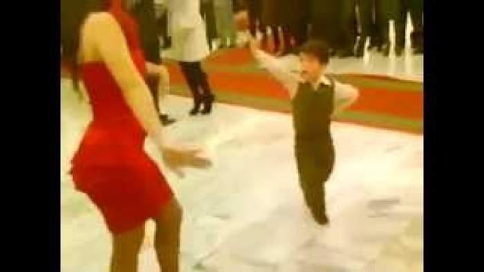 """Photo of أخطر """"برهوش"""" في الرقص..لابد أن تكرر مشاهدته"""