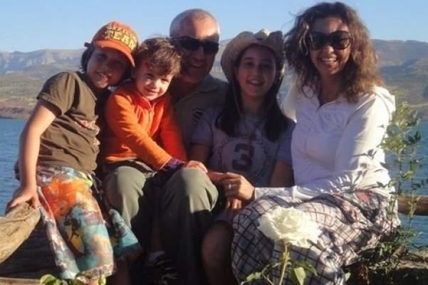 Photo of دفن عائلة برادة ضحايا حادثة طائرتهم الخاصة يوم غد بمقبرة الرحمة