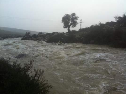 Photo of بالفيديو: غرق فتاتين شقيقتين جرفهما وادي باقليم العرائش