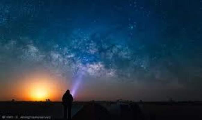 "Photo of فيديو: أجمل ""شروق وغروب"" القمر في العالم"