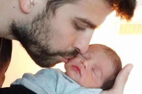 "Photo of جيرار بيكيه ينشر صورة ابنه ""ميلان مبارك"""