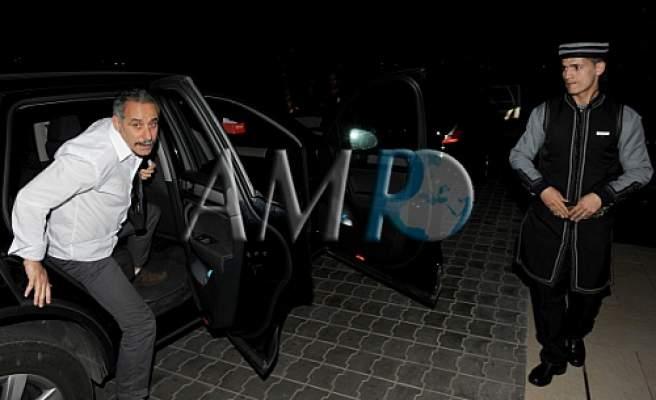 Photo of بالصور والفيديو، الكوميدي الجزائري عبد القادر السيكتور يحل بمهرجان أكادير للضحك
