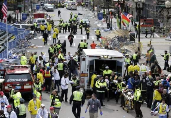 Photo of بالصور: ثلاثة انفجارات تهز بوسطن الأمريكية والحديث عن تطاير أرجل بعض الضحايا