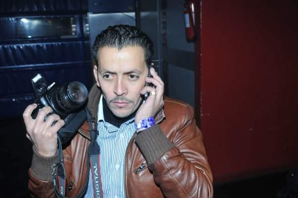 Photo of النقابة تطالب بإطلاق سراح الصحافي المصور عبد الله الحلوي