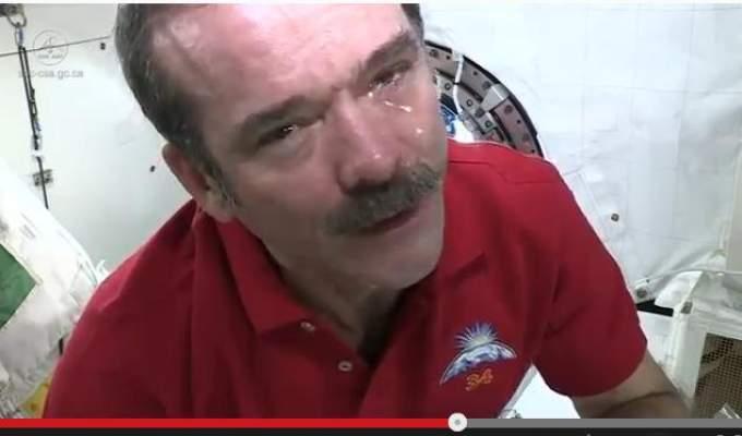 Photo of فيديو: اكتشف كيف يبكي رواد الفضاء