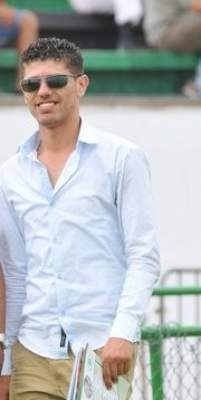 "Photo of الاعتداء على صحفي خلال ندوة صحفية بالبيضاء بعد طرحه سؤالا لم يعجب ""مول الشي"""