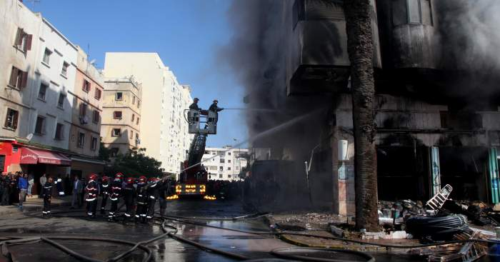 Photo of بالصور: حريق يأتي على عمارة من ثمانية طوابق بالدار البيضاء