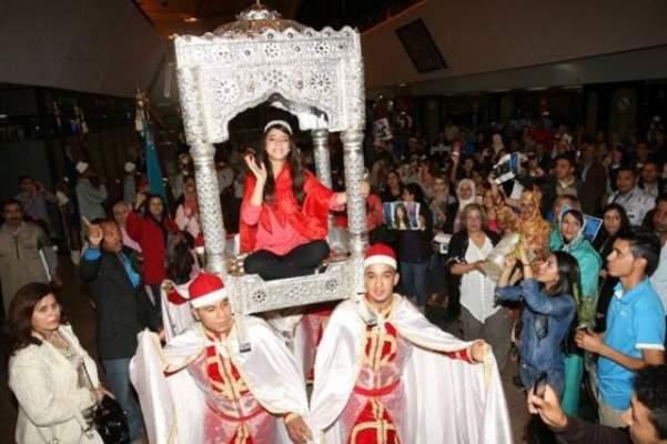Photo of بالصور: على طريقة دنيا باطما الاحتفال بنجمة آراب آيدل يسرا سعوف بالعمارية