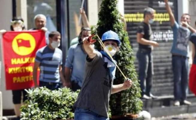 Photo of بالصور: لقطات من العنف الدائر في تركيا