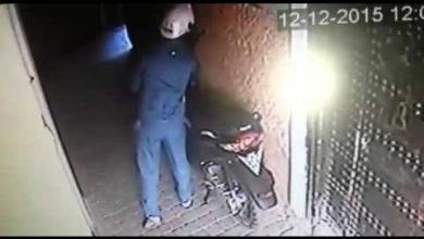 Photo of لص بمراكش يسرق دراجة نارية أمام أعين الناس
