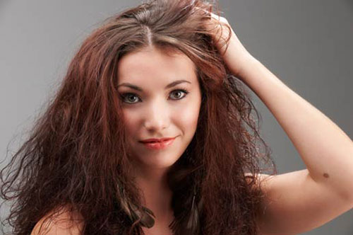 قناع منزلي من الزيوت لعلاج قشرة الرأس و الشعر الجافة والتالفة