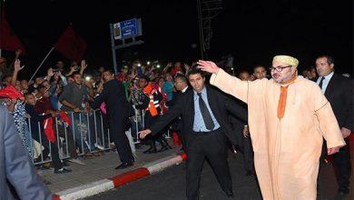 Photo of الملك محمد السادس يغادر مدينة الداخلة في ختام زيارة للمدينة