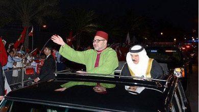 Photo of ساكنة المنامة تحج بكثافة لشوارع المدينة للترحيب بمقدم جلالة الملك