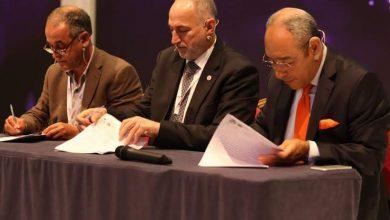 Photo of توقيع اتفاقية تعاون بين فيدرالية الناشرين و نقابة الصحافة و منتدى فلسطين