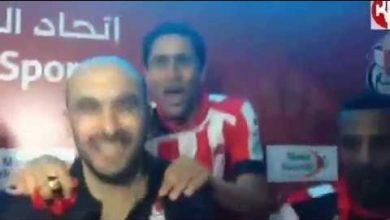 Photo of شاهد كيف اقتحم لاعبو الفتح الرباطي ندوة مدربهم الركراكي