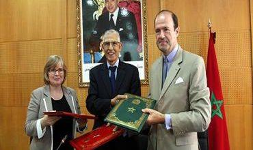 Photo of التعاون المغربي الفرنسي: اتفاقية لإحداث منصة الكترونية مغربية للدروس المفتوحة والمكثفة عبر الأنترنيت