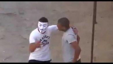 Photo of الفيديو الذي يصور شخصا يحمل قناعا يعترض سبيل المواطنين بتمارة صوّر في 2012