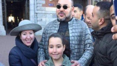 """Photo of """"سيلفي يا صاحب الجلالة"""" أو حينما يلتقي المغاربة ملكهم خارج البروتكول"""