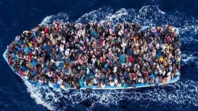 Photo of مقتل 42 مهاجرا غير شرعي في غرق مركب قبالة الساحل المصري