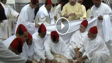 Photo of الملك محمد السادس يؤدي صلاة عيد الأضحى بمسجد أهل فاس ويتقبل تهاني العيد من هذه الشخصيات