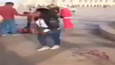 Photo of خطير.. اعتداء بالسلاح الابيض على سائحين هولنديين وسط ساحة مسجد الحسن الثاني