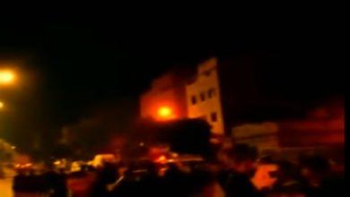 Photo of سائق طاكسي يتعرض للسرقة بالعنف في شارع العقيد العلام و إعتصام لسائقي سيارات الأجرة حتى إعتقال الجاني