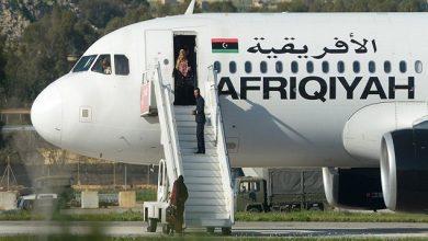 Photo of فيديو..لحظة الإفراج عن بعض ركاب الطائرة الليبية المخطوفة في مالطا،