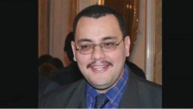 """Photo of الجزائر: جنازة الصحافي """"محمد تامالت"""" تخرج المئات من الجزائريين إلى الشارع/فيديو"""
