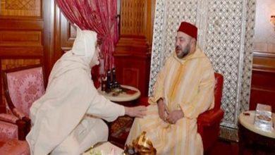 Photo of أمير المؤمنين يستقبل جمال الدين البودشيشي الذي قدم لجلالته التعازي إثر وفاة والده