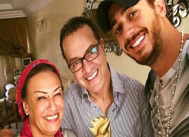 الفنان سعد المجرد مع والديه الفنانين البشير عبده ونزهة الركراكي