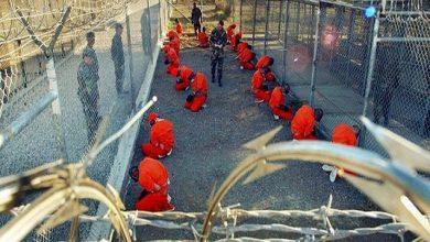 Photo of صحف: ترامب يعتزم إعادة فتح السجون السرية في الخارج