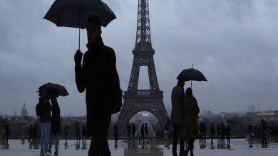 Photo of عاصفة قوية تضرب شمال فرنسا و انقطاع الكهرباء عن نحو 190 ألف منزل