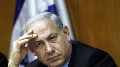 Photo of نتانياهو في حرج والتحقيقات تتصدر عناوين الصحف